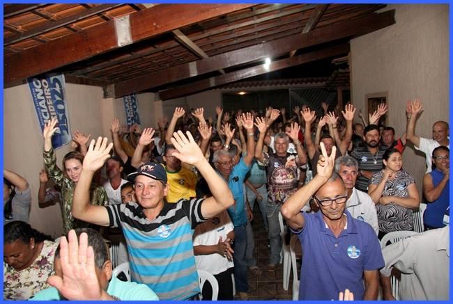 Povão de Cordeiros  tá Com Luciano Ribeiro 25025