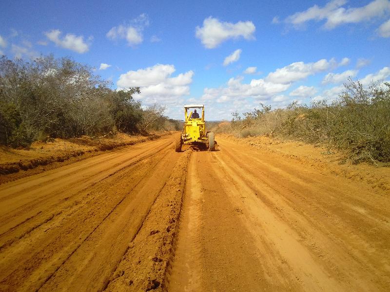 recuperacao estrada cacule condeuba (2)