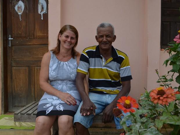 Arlete e Jovino casaram na igreja em abril de 1985, mas não haviam oficializado a união legalmente (Foto: Adriano Oliveira/G1)