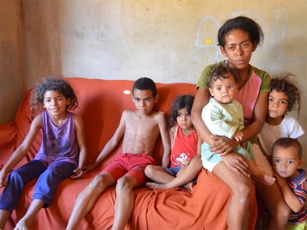 Jesuína esperou o mutirão de atendimentos para realizar a laqueadura gratuitamente (Foto: Adriano Oliveira/G1)