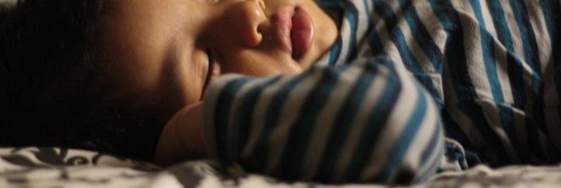 bebe dormindo