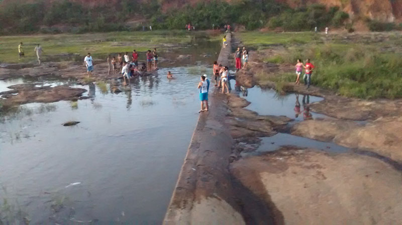 sangradouro-barragem-champrao-condeuba-03-02-16