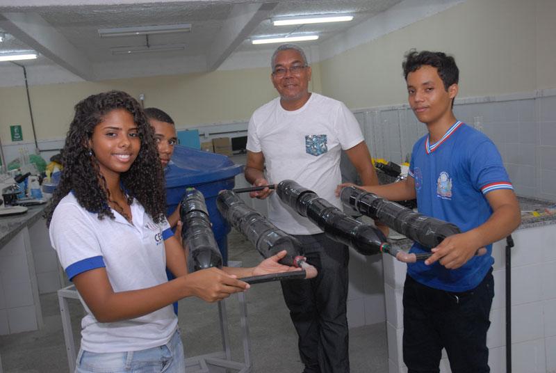 estudantes mortugaba agua (2)