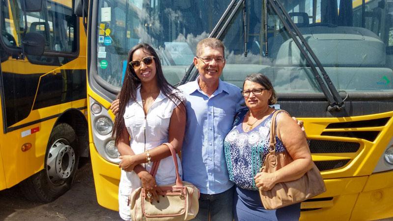 condeuba recebe novo onibus governo do estado (1)