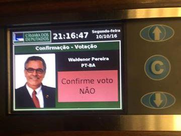 voto-waldenor-contra-pec-241